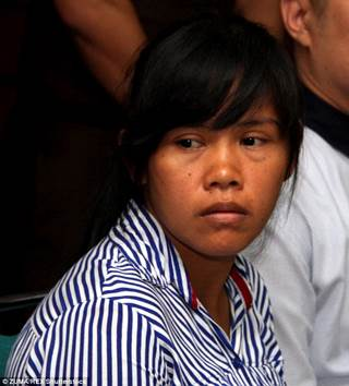 http://i.dailymail.co.uk/i/pix/2015/04/29/16/28191DC200000578-3060871-Mary_Jane_Fiesta_Veloso_from_the_Philippines_during_the_trial_in-m-13_1430321160352.jpg
